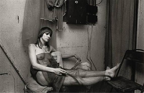 Susan-Meiselas-Carnival-Strippers
